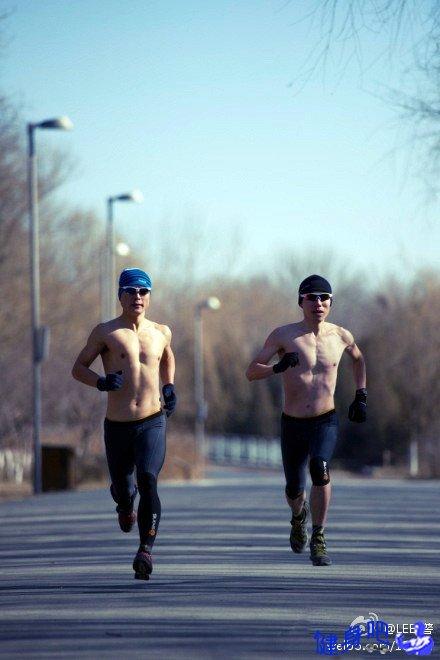 臀部和大腿减肥方法_锻炼大腿和臀部肌肉的最佳运动_健身吧