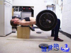 仰卧顶臀:杠铃仰卧顶臀动作图解教程