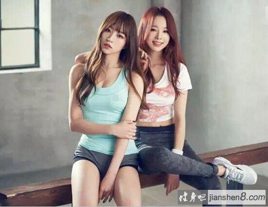 清纯美少女——韩国女团EXID运动写真!   为代言运动品牌拍摄的宣传画报公开,展现健康美。   画报中,EXID成员们均身着运动服,紧身的设计凸显玲珑有致好身材。尤其是从中学开始就是运动选手的Hani在拍摄现场,展现出结实健美的体型与开朗的性格。   另外,EXID於2012年正式出道,由LE、许率智、HaNi、徐慧潾、朴正花五名成员组成。曾演唱《Good Bye》、《Up & Down》等人气歌曲。