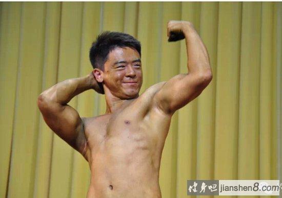 学霸变身肌肉猛_学霸变身肌肉男!2015届清华大学健美大赛。_健身吧