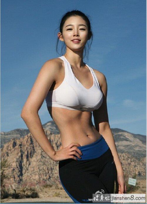 在韩国女星中被称为身材最美女星