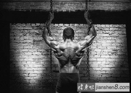 背部锻炼动作_引体向上没感觉?背阔肌不会发力?怎么办?_健身吧