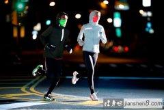 冬季跑步热身必备的6个动作!