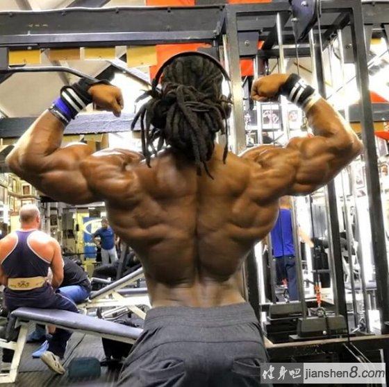 背部锻炼动作_背部锻炼计划:4个动作推荐!_健身吧