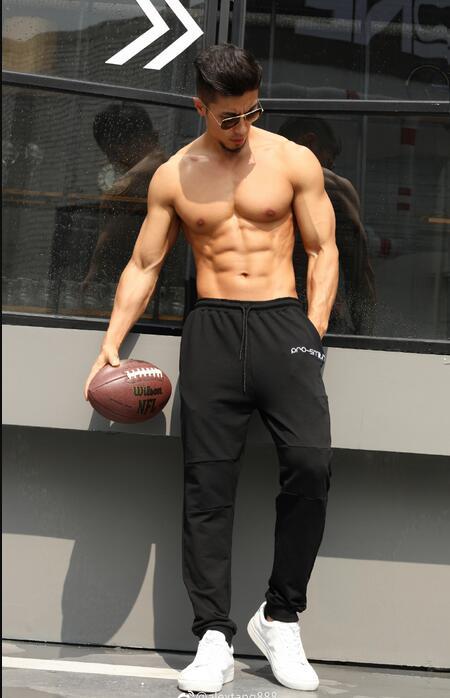健身男_唐亚男 Alex Tang肌肉照、微博健身网红alextang888健身肌肉图片_健身吧