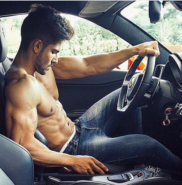 全球资讯_IFBB超帅肌肉男模MARIO HERVAS_健身吧
