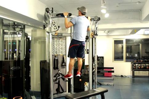 引体向上背阔肌怎么练 这么练准没错 减肥塑形