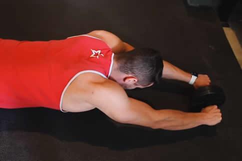 怎样锻炼减啤酒肚_长期做腹肌轮可以减肚子么_健身吧